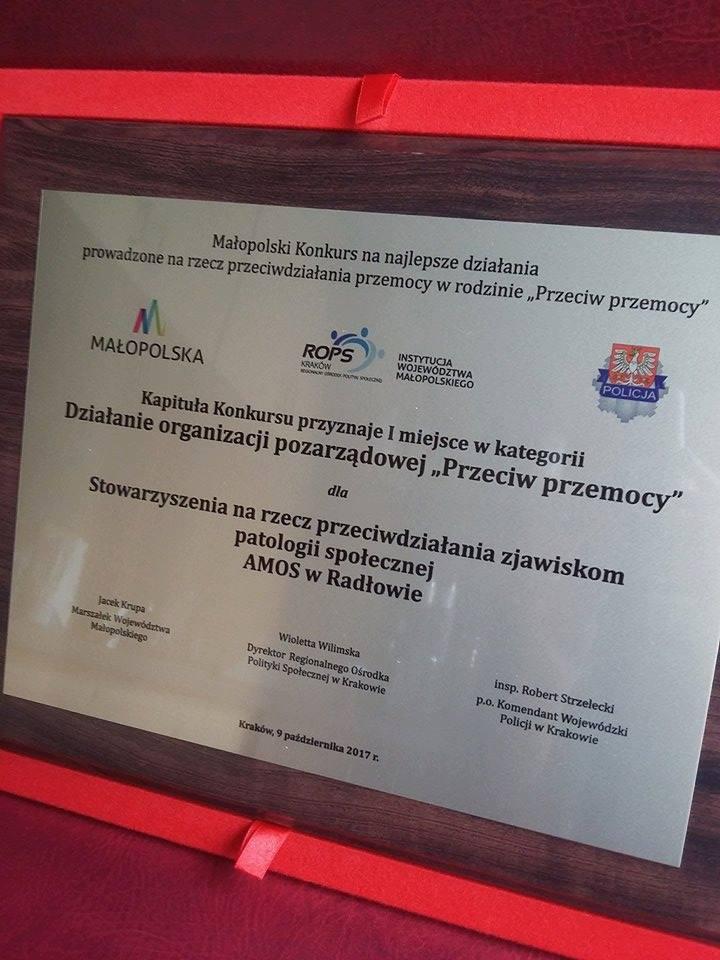 Zdjęcie przedstawia dyplom, który placówka otrzymała za 1 miejsce w kategorii działanie przeciw przemocy.